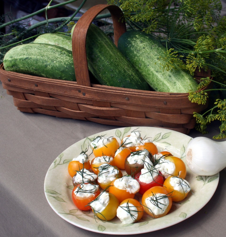 Stuffed cherry tomatoes - a tip and a recipe (5/5)